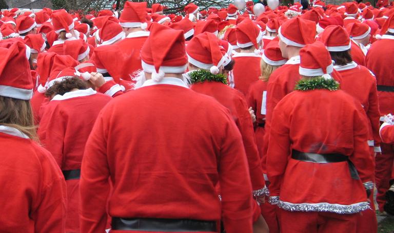 Santa Run - Father Christmas group running